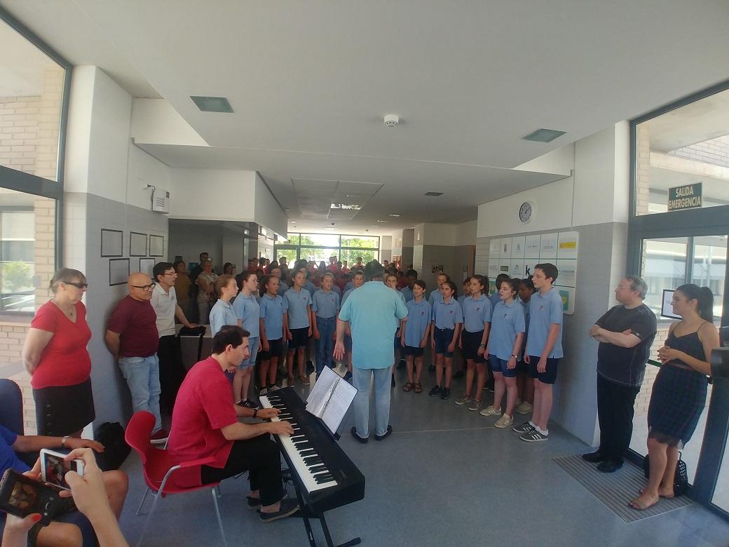 """""""Las voces del coro"""" iluminan el Centro de ASFEME"""
