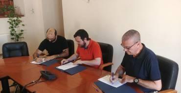 El Ayuntamiento firma un convenio de 1500 euros para promocionar el melón de Carrizales