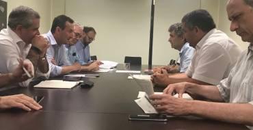 El Ayuntamiento plantea a la Generalitat realizar mejoras en la depuradora de Algorós y construir una nueva planta más al sur