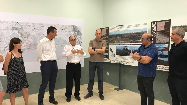 El Centro Social de El Altet acoge una exposición sobre la vía ciclista y peatonal entre Agua Amarga y el Clot de Galvany que prevé el Pativel