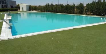 Obertura de les piscines de l'Altet i Palmerars