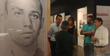 """L'exposició """"Miguel Hernández a plena luz"""" rep més de 1250 visites en les seues primeres setmanes"""