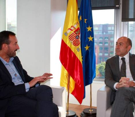 El alcalde consigue el compromiso del SEPES para culminar la urbanización del entorno de IFA