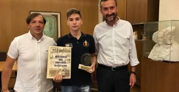 Recepción al joven deportista ilicitano Hugo Arillo