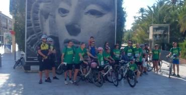 Más de una treintena de ciclistas han participado en la Marcha Ciclista Camp d'Elx
