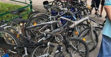 El Ayuntamiento de Elche entrega 70 bicicletas al Colegio Salesiano