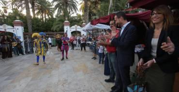 Gran afluencia de público en la inauguración del Mercado del Festival Medieval d'Elx