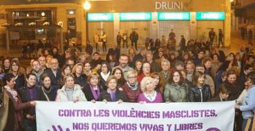 Acto con motivo del Día Internacional de la Eliminación de la Violencia contra la Mujer en el Plaça de Baix