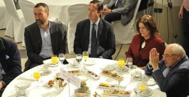 Carlos González asiste en Madrid a una conferencia de Abel Caballero, alcalde de Vigo y presidente de la Federación Española de Municipios y Provincias