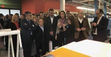 Reyes Maroto pone Elche como ejemplo de que la industria puede conseguir alcanzar el techo del 20% del PIB en España
