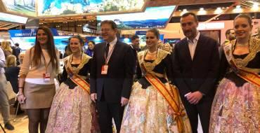 El presidente Puig reclama el retorno del busto ibérico a Elche y da su apoyo a la oferta turística ilicitana durante la celebración del Día de la Comunidad Valenciana en Fitur