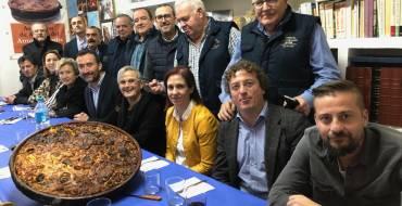 """El alcalde entrega el """"costrero  de honor"""" a título póstumo a José Martínez """"Porronet"""" y a Diego Sánchez"""