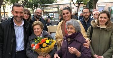 El Ayuntamiento reconoce el compromiso social y sindical de Carmen Campello con la inauguración de un jardín en Carrús