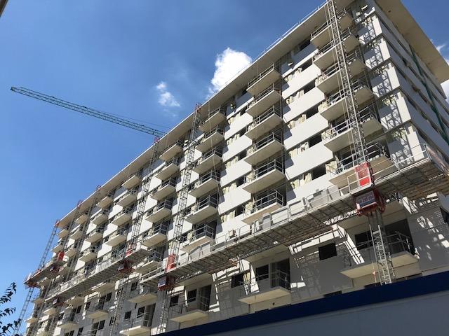 El Ayuntamiento logra que los vecinos del edificio 1 de San Antón no tengan que pagar el IRPF por las ayudas recibidas en la compra de sus viviendas