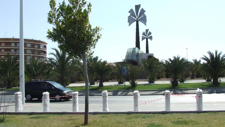 El Ayuntamiento colabora en la llegada a Elche de la exposición itinerante Repsol Racing Tour