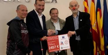 Lliurament de la recaptació amb èxit a través del Dorsal Solidari de la 47 Mitja Marató d'Elx