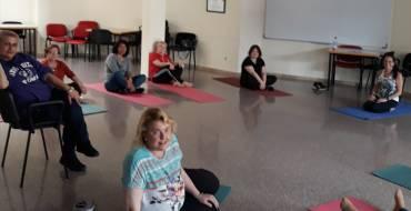 Inicio del Taller de Yoga en Casa de la Dona