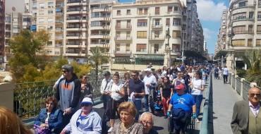 Más de 150 personas reivindican el Día de la Accesibilidad con una marcha por las calles de Elche