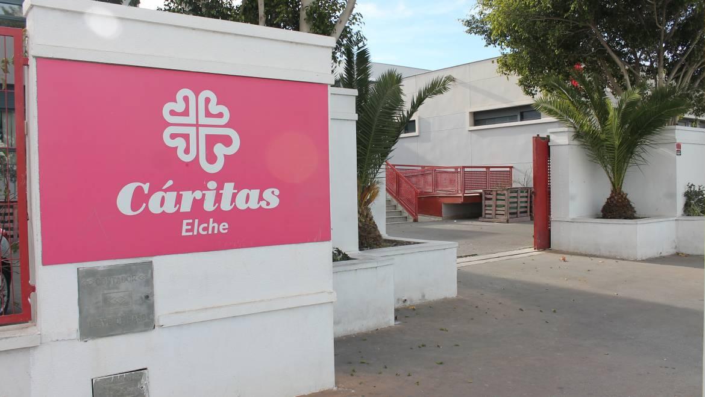 L'Ajuntament destina 170.000 euros a Càritas i aprova el Pla Municipal de Persones sense llar