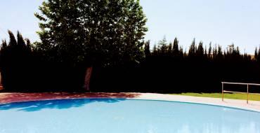 Cierre de la piscina cubierta del Polideportivo Isabel Fernández.