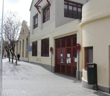 Las clases no se suspenden excepto en el colegio de Las Bayas y en el instituto de Torrellano