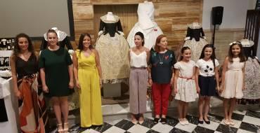 Presentan en sociedad la indumentaria de las reinas y damas de las fiestas 2019