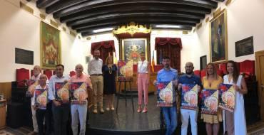 Presentació del cartell de la festes d'agost de 2019, obra de Tonia Baeza