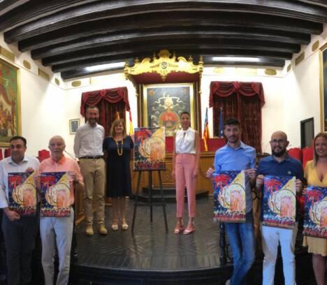 Presentación del cartel de la fiestas de agosto de 2019, obra de Tonia Baeza