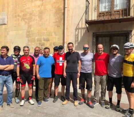 2.000 ciclistas de montaña defienden su compromiso y respeto con el medio natural en una manifestación en Elche