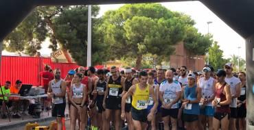 Andrés Micó gana con comodidad  la Mitat Mitja Marató de Torrellano