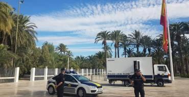 Presentan 'Mercurio', el nuevo camión de emergencias de la Policía Local de Elche