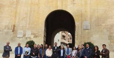 El Ayuntamiento de Elche muestra su repulsa al asesinato machista de Dénia