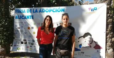 La Concejala de Bienestar Animal inaugura la VI Feria de  la Adopción en el Hort de Baix