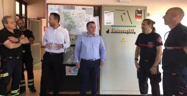 El alcalde y el concejal de Emergencias se reúnen con los bomberos