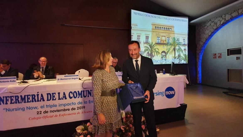 El Col·legi d'Infermeria d'Alacant reconeix l'Ajuntament d'Elx com a Membre d'Honor pel seu suport prestat a la professió