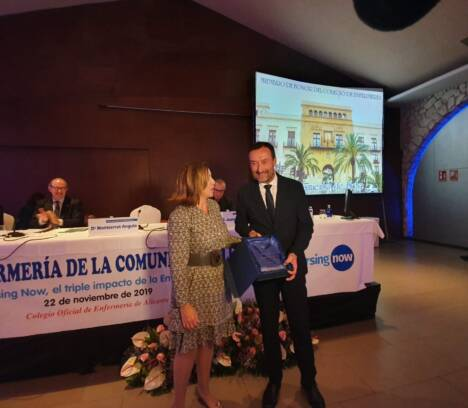 El Colegio de Enfermería de Alicante reconoce al Ayuntamiento de Elche como Miembro de Honor por su apoyo prestado a la profesión