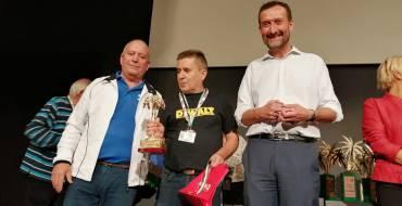 El alcalde participa en la entrega de premios del XXV campeonato de dominó que ha reunido en Elche a más de 400 participantes