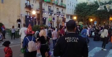 El concejal de Seguridad felicita a la Policía Local tras una Noche de Halloween sin incidentes y con 5.000 personas en la fiesta de la Plaça de Baix