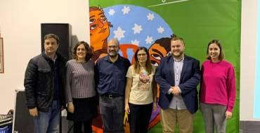 El regidor de Benestar Social, Mariano Valera,  i el regidor i la regidora de l'Ajuntament d'Elx, Felip Sánchez i Esther Díez, han assistit a la celebració del X aniversari de la Fundació Secretariat Gitano