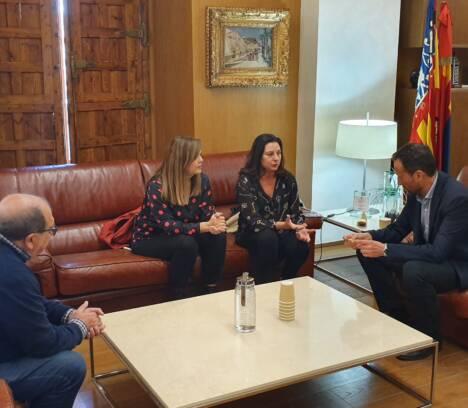 L'alcalde rep la nova presidenta de l'Associació de Periodistes de la Província d'Alacant
