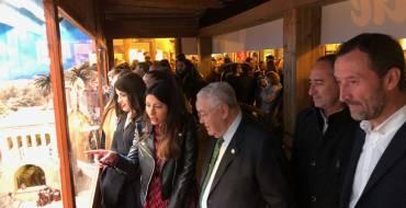 Cientos de personas visitan el Belén Municipal inaugurado en la Glorieta con más de 800 figuras