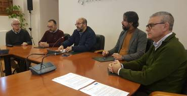 Comercio acuerda financiar con 21.700 euros la iluminación navideña de la avenida de Novelda, Nit de l'Albà-Diagonal y Sector V