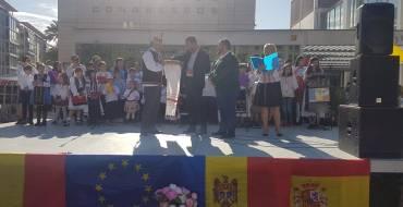 La comunidad rumana de Elche celebra su Día Nacional con poesías, canciones y bailes