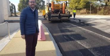Mantenimiento invierte más de 100.000 euros en el asfaltado del Cementerio Nuevo
