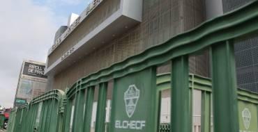 El edil de Seguridad felicita a la afición del Elche por su comportamiento y le anima a seguir el posible ascenso desde casa