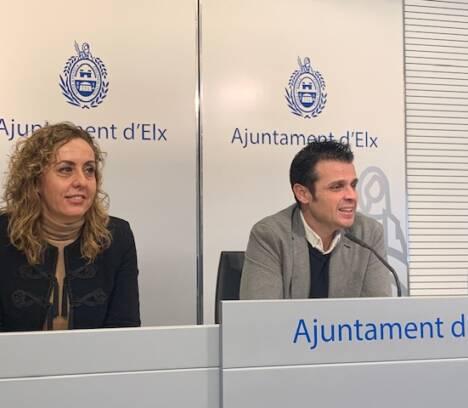 """Elche promociona la """"Nit de l'Albà"""" y se postula como destino de turismo de festivales en FITUR"""