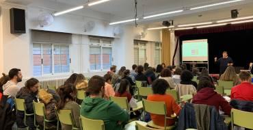 Elche Emprende realiza un Taller de Creación de Empresas de Economía Social en el IES Victoria Kent