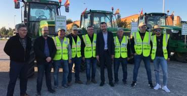 El alcalde y el concejal de Desarrollo Rural apoyan a los agricultores en su marcha para reivindicar mejoras en el campo
