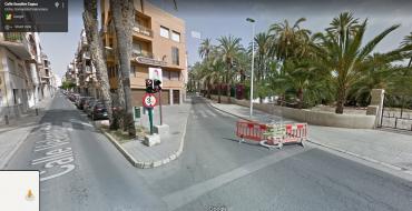 Corte total Calle Escultor Capuz