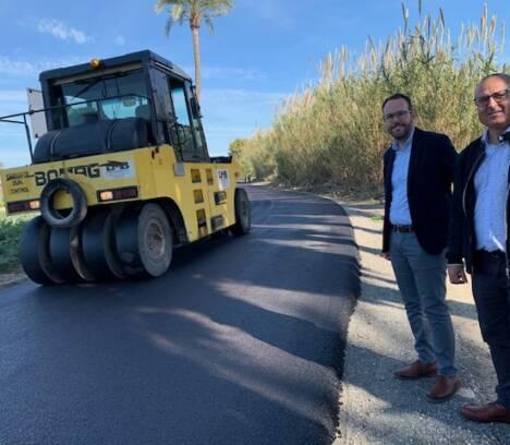 El Ayuntamiento sigue adelante con su plan de modernización de las pedanías con el asfaltado del Camí de Los Torres